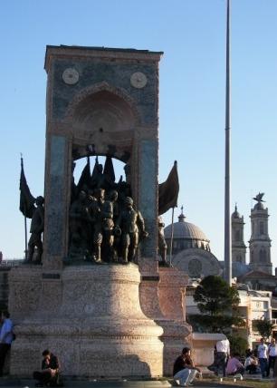 Estatua Atatürk Taksim
