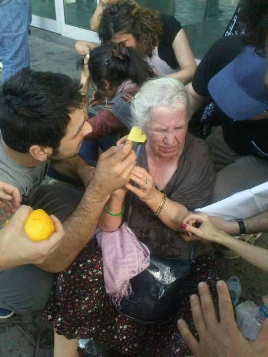 Anciana disturbios Estambul