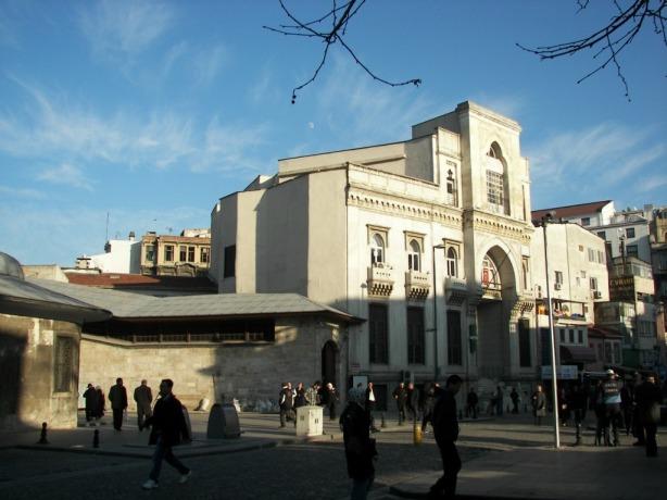 Aléxandre Vallaury Garanti Bank