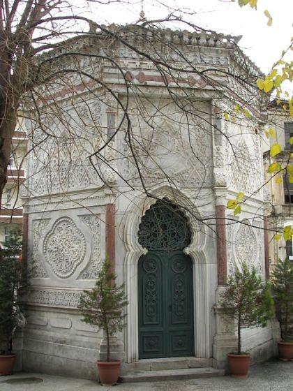tumba Estambul