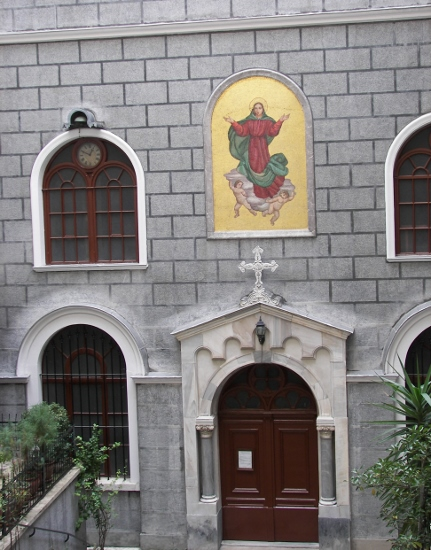 Santa María Draperis Istanbul