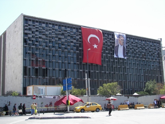 AKM Estambul