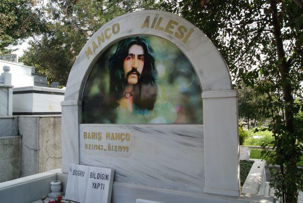 Barış Manço tumba